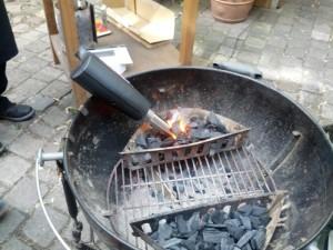 Den Grill für das indirekte Grillen vorbereiten